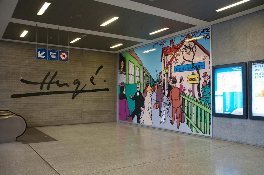 Si vous arrivé à Bruxelles par la gare du midi, sachez que le célèbre reporter sera là pour vous accueillir ;-)