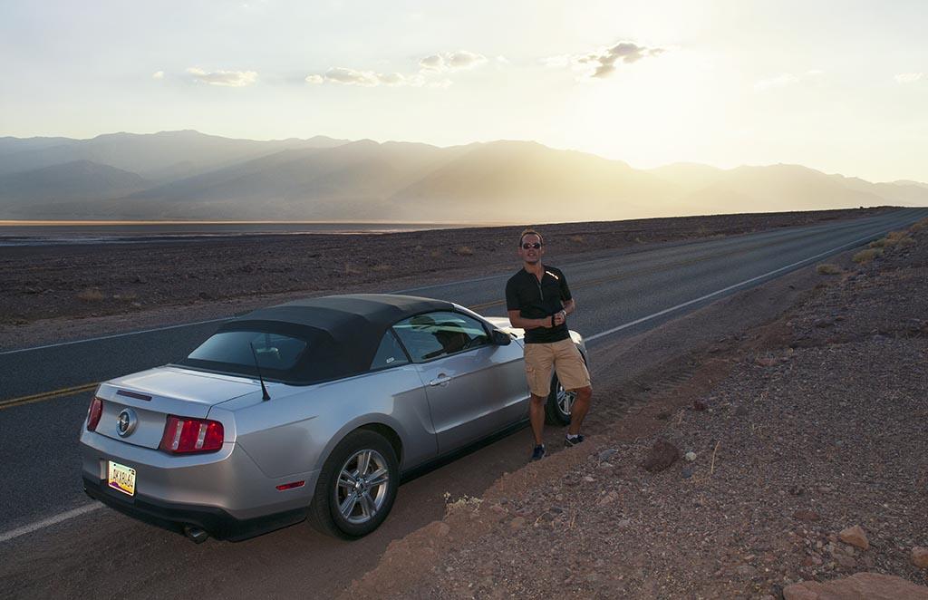 Ce bandeau de bitume se déroulait en ligne droite sur des dizaines de kilomètres en plein milieu du désert