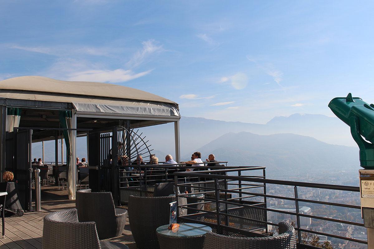 Monter jusqu 39 la bastille grenoble vojagado for Restaurant bastille terrasse