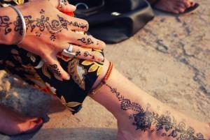 Henne noir, marocaine à Fès