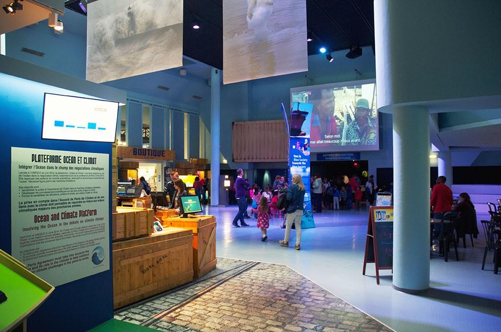boulogne-sur-mer-nausicaa-aquarium-hall-2