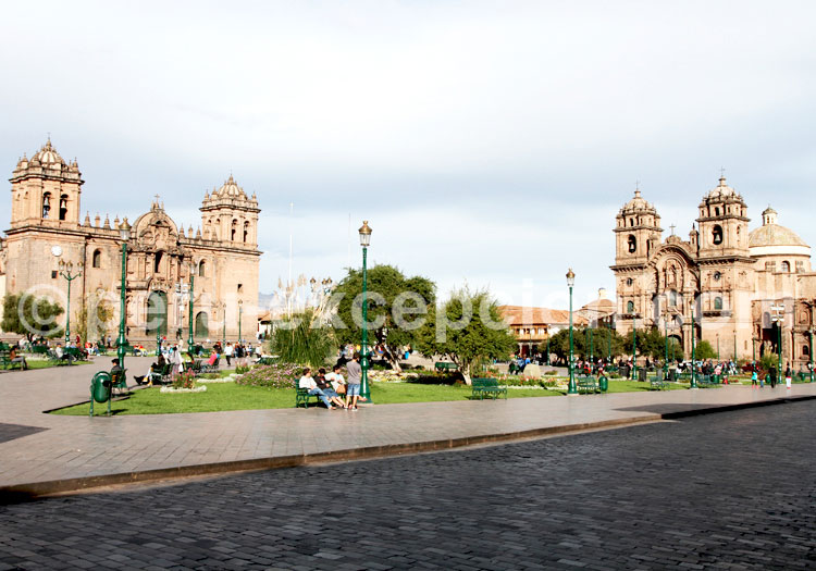 Cusco Plaza Armas - Pérou
